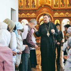 Преосвященный Алексий совершил Литургию в день чествования иконы Божией Матери «Достойно Есть»