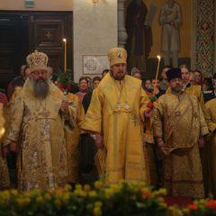 Митрополит Кирилл и епископ Алексий совершили Всенощное бдение в Храме-на-Крови