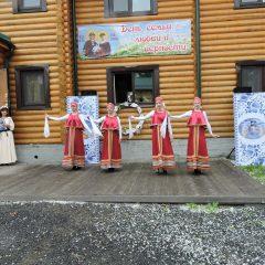 Новая традиция в Трехсвятительском храме г. Нижняя Тура.