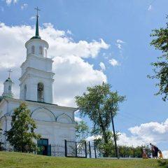 Преосвященный Алексий совершил Литургию в Черноисточинске