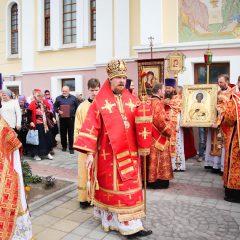 Преосвященный Алексий совершил Литургию в престольный праздник женской обители Краснотурьинска