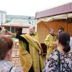 На центральной площади Краснотурьинска открылась выставка-ярмарка «Кладезь»