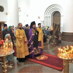 Преосвященный Алексий совершил Литургию в день чествования Почаевского образа Божией Матери