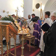 Преосвященный Алексий совершил Всенощное бдение в канун престольного праздника кафедрального собора Серова