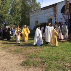 Преосвященный Алексий совершил Литургию в праздник иконы Нерукотворного Образа Господа Иисуса Христа