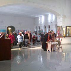 Молебен о страждущих в Нижней Туре