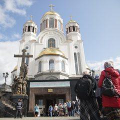 «Это ли не чудо!»: с теплом и радостью поклонились святыне паломники Серовской епархии