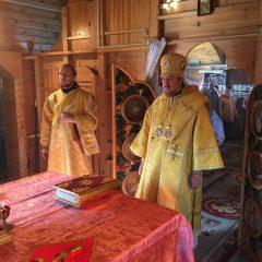 Епископ Алексий совершил Литургию в пос. Гари