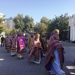 Митрополит Кирилл и епископ Алексий сослужили митрополиту Викентию за праздничной литургией в Успенском соборе в Ташкенте