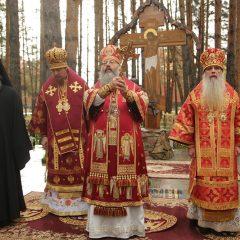 Архипастыри митрополии совершили праздничную литургию в монастыре Новомучеников и исповедников Церкви Русской в Алапаевске
