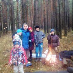 Воспитанники сосьвинской воскресной школы побывали в осеннем лесу