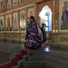 Преосвященный Алексий совершил Всенощное бдение в канун празднования Покрова Пресвятой Богородицы