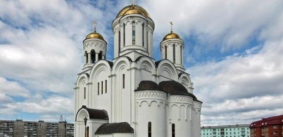Прихожане собора во имя Преображения Господня: «Без Бога ведь на душе пусто, понимаете?»