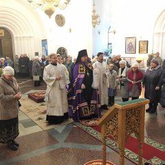 Епископ Алексий совершил Литургию в Димитриевскую родительскую субботу