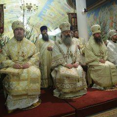 Преосвященный Алексий принял участие в праздничном Рождественском богослужении в Екатеринбурге