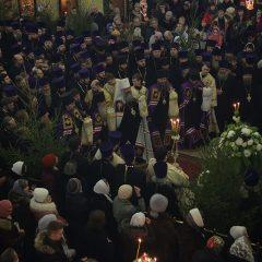 Преосвященный Алексий принял участие в Архиерейской Рождественской вечерни в Свято-Троицком кафедральном соборе Екатеринбурга