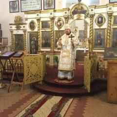 Преосвященный Алексий совершил литургию в храме во имя пророка Илии