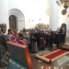 Епископ Алексий возглавил Вечерню и Литургию Преждеосвященных Даров в Спасо-Преображенском соборе