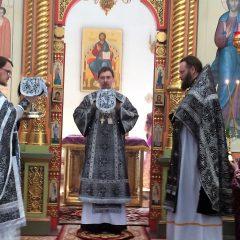 Епископ Алексий совершил Литургию в Спасо-Преображенском кафедральном соборе