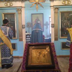 В канун Субботы Акафиста епископ Алексий помолился в Казанском храме города Карпинска