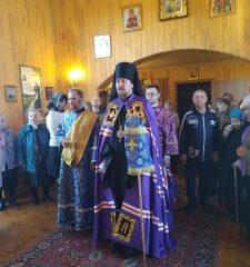 Епископ Алексий совершил Литургию в Субботу Акафиста