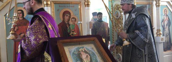 Епископ Алексий совершил Литургию в храме во имя апостола Андрея Первозванного, пос. Лобва