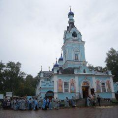Митрополит Кирилл и епископ Алексий совершили утреню с чином погребения Плащаницы в Иоанно-Предтеченском соборе