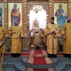 Епископ Алексий совершил Литургию в день празднования рождения святителя Николая Чудотворца