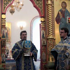 Епископ Алексий совершил Божественную литургию в Спасо-Преображенском соборе