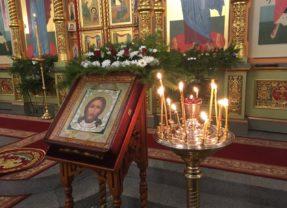 В Крещенский сочельник епископ Алексий совершил Божественную литургию в Спасо-Преображенском соборе
