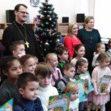 Более 400 творческих работ представили юные серовчане на конкурс «Рождественская открытка»