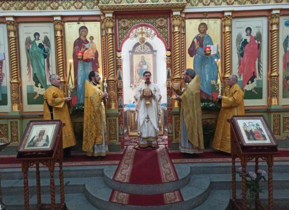 Епископ Алексий совершил Божественную литургию в день памяти святителя Тихона, патриарха Московского и всея России