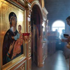 Епископ Алексий совершил Божественную литургию в праздник святителя Николая Чудотворца