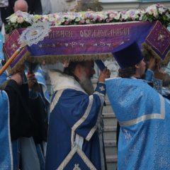 Митрополит Кирилл совершил утреню с чином погребения Плащаницы в Иоанно-Предтеченском соборе