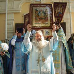 Митрополит Кирилл совершил Божественную литургию в храме в честь иконы Божией Матери «Порт-Артурская»