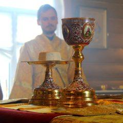 Епископ Алексий совершил Божественную литургию в храме святителя Николая Чудотворца в посёлке Рудничный