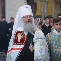 В День знаний митрополит Кирилл совершил Божественную литургию в Храме на Крови