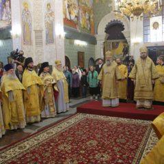 20 лет Храму на Крови: праздничную Божественную литургию совершили митрополит Кирилл и епископ Алексий