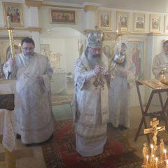 Митрополит Кирилл совершил Божественную литургию в храме Казанской иконы Божией Матери в Шабровском