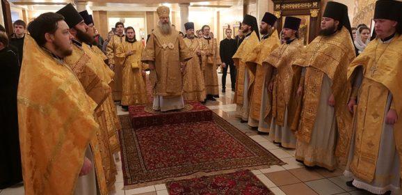 Митрополит Кирилл совершил Божественную литургию в Успенском храме в Верхней Пышме