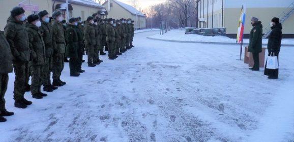 Священнослужители благословили военнослужащих на зимний период обучения в войсках