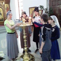 Подростки – помощники храма