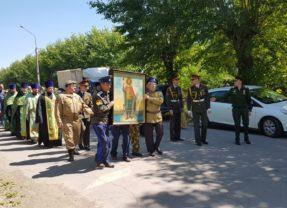 Встреча иконы и ковчега с мощами святого Александра Невского