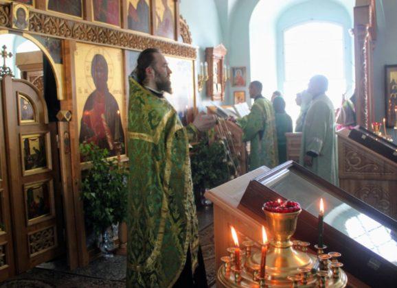 День Святой Троицы в Североуральске