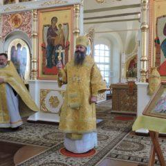 Епископ Феодосий совершил воскресную Божественную Литургию в храме свв. апп. Петра и Павла г. Североуральска