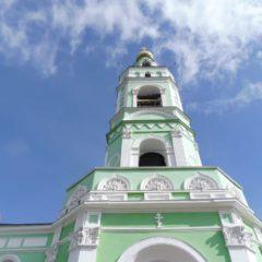 Колокольным звоном в храмах Нижнетагильской епархии встретили День Крещения Руси