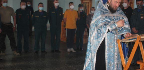 Североуральские пожарные и спасатели приняли участие в благодарственном молебне